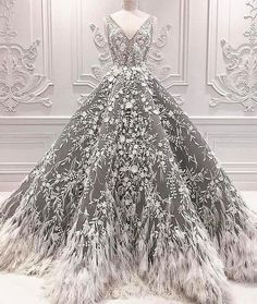 We always fall for Michael Cinco's #couture designs. | WedLuxe Magazine | #WedLuxe #Wedding #luxury #weddinginspiration #luxurywedding #michaelcinco #hautecouture #fashion
