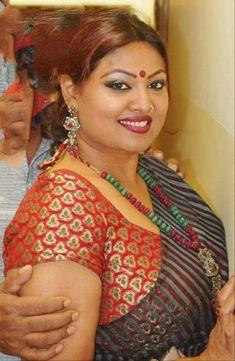 Beautiful Blonde Girl, Beautiful Girl Indian, Most Beautiful Indian Actress, Beautiful Women Over 40, Beautiful Women Pictures, Beauty Full Girl, Beauty Women, Indian Beauty Saree, Indian Sarees
