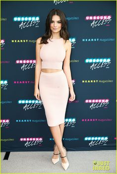 emily ratajkowski goes topless in her calvins 04 Emily Ratajkowski looks beautiful while walking the carpet at the Hearst MagFront: Unbound Access held on Tuesday morning (October 21) at Hearst Tower in New York…