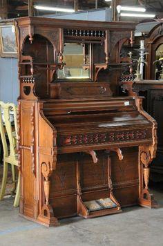 Found on EstateSales.NET: Antique pump organ