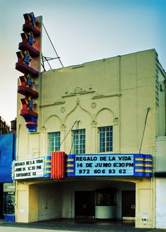 The Texas Theater Oak Cliff Dallas This Is Where They Found Oswald After He Shot A Cop