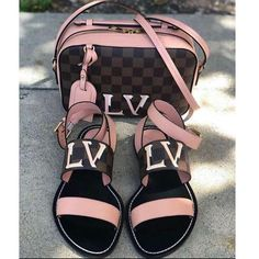 Authentic Louis Vuitton Monogram Canvas Palm Springs Backpack MM Handbag Article: Made in France – The Fashion Mart Louis Vuitton Shoes, Vuitton Bag, Louis Vuitton Handbags, Purses And Handbags, Luxury Purses, Luxury Bags, Sneakers Fashion, Fashion Shoes, Fashion Fashion
