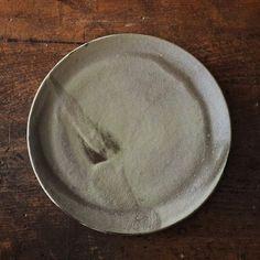 Plate . . #pottery #ceramics #instapottery #handmade #handcrafted #stoneware #styling #minimal #wabisabi#contemporaryceramics #contemporaryart #ceramicart #design #homedecor #handmadetableware #home #madeinhamburg #makers #interiordesign #instahome #smallshop #handmadeceramics #potteryheart #potterylove #handgetöpfert #handgemachtekeramik #plate