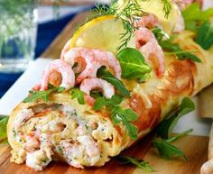 Norwegian Food, Sushi Rolls, Fish And Seafood, Fresh Rolls, Seafood Recipes, Snacks, God Mat, Chicken, Dinner