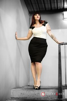 Teer Wayde    Bust - 42 inches and a 14E/36E, Waist - 33 inches, Hips - 42 inches  Size - 14-16AU, 12-14US, 16UK    via Curves To Kill