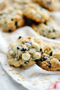 White Chocolate Chip & Blueberry Oatmeal Cookies - Clara Persis