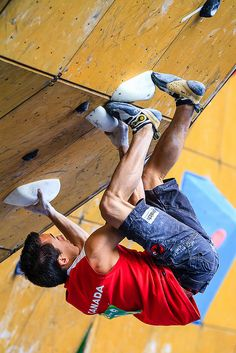 Toeing - Sean Mccoll - 2012 Teva Summer Mountain Games: IFSC Bouldering World Cup Sport Climbing, Rock Climbing, Mountain Games, Indoor Climbing Wall, Abseiling, Escalade, Semi Final, Athletic Men, Parkour