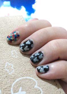 DIY nail art mixed color dots and mickey mouse pattern.