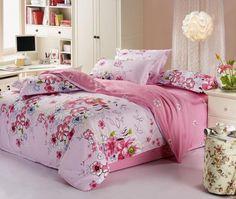 Lenzuola rosa per una camera romantica - Lenzuola con fiori per arredare una camera da letto romantica.