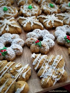 Christmas Quick and Easy Gingerbread Spritz Cookies Spritz Cookie Recipe, Spritz Cookies, Holiday Cookies, Cookie Recipes, Dessert Recipes, Linzer Cookies, Almond Cookies, Dessert Ideas, Holiday Baking