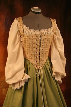 Renaissance Wench Bodice Corset Gown Dress by thewencheswardrobe Hobbit Costume, Medieval Costume, Renaissance Fashion, Renaissance Clothing, Vintage Dresses, Vintage Outfits, Vintage Fashion, Historical Costume, Historical Clothing