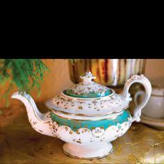 Beautiful Turquois/white/gold bone china teapot