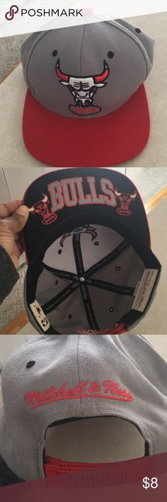 Chicago Bulls SnapBack Hat Barely used Chicago Bulls Hat Mitchell & Ness Accessories Hats