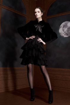 Viktor & Rolf   Pre-Fall 2012 Collection   Style.com