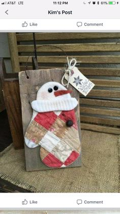 decorate a house for Christmas - Crafts Ideas Christmas Wood Crafts, Snowman Crafts, Christmas Signs, Christmas Snowman, Rustic Christmas, Christmas Projects, Holiday Crafts, Vintage Christmas, Christmas Holidays