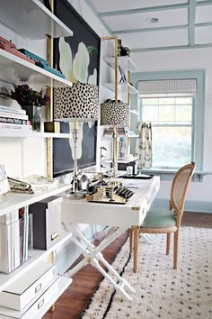 Need some feminine and fabulous home office inspiration? Take a look at these inspiring home offices for girl bosses! Get ready to drool...
