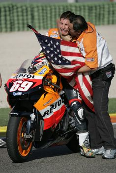 Nicky Hayden to be inducted MotoGP™ Legend in Valencia - http://superbike-news.co.uk/wordpress/Motorcycle-News/nicky-hayden-to-be-inducted-motogp-legend-in-valencia/ <3