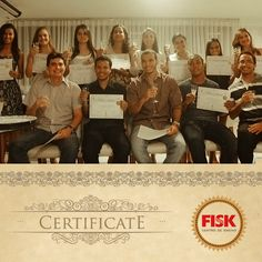 Parabéns aos nossos formandos 2012/2!    O último sábado (13) foi o dia deles. Você pode ser o próximo.    FISK, todo mundo fala bem.