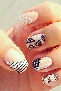 I love the white and tan nail -