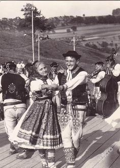 Folk Clothing, European Countries, Czech Republic, Portal, Westerns, Culture, Embroidery, Sewing, Concert
