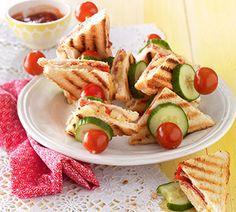 Hawai-tostiprikker met salami - Recept - Jumbo Supermarkten
