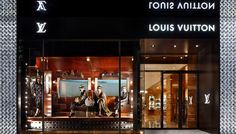 Louis-Vuitton-Store-window
