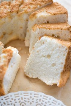 The BEST-tasting angel food cake you'll ever eat via Gluten-Free Angel Food Cake! The BEST-tasting angel food cake you'll ever eat via Gluten Free Angel Food Cake, Gluten Free Deserts, Gluten Free Sweets, Gluten Free Cakes, Foods With Gluten, Gluten Free Cooking, Dairy Free Recipes, Best Gluten Free Cake Recipe, Gf Cake Recipe