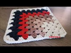 Diy Crochet Stitches, Crochet Daisy, Crochet Doilies, Free Crochet, Crochet Patterns, Crochet Star Blanket, Crochet Stars, Crochet Coaster Pattern, Granny Square Crochet Pattern