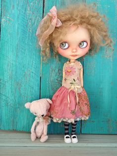 https://flic.kr/p/oKXWuY | Pink girls | Apple and Rosy Posy, OOAK teddy bear by the magic hand of Paula SweetRedCottage. Thank you Paula.... Apple loves her (and me too)