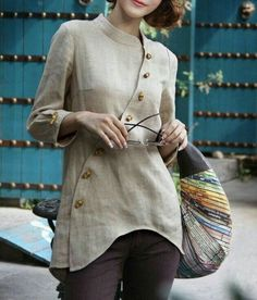 Blouse design idea and inspiration 021 fashion Kurta Designs, Blouse Designs, Indian Designer Wear, Linen Dresses, Mode Outfits, Sewing Clothes, Dress Patterns, Fashion Dresses, Clothes For Women