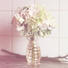 http://aloreedessonges.com/blog/wp-content/uploads/2013/02/roses-by-claire-bouquet-hortensia-lacte1.jpg