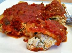 Cheese-free manicotti...I may try this with eggplant or zucchini slices instead of pasta!