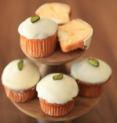 Mini Cupcakes, Food And Drink, Sweets, Desserts, Recipes, Tailgate Desserts, Deserts, Gummi Candy, Candy