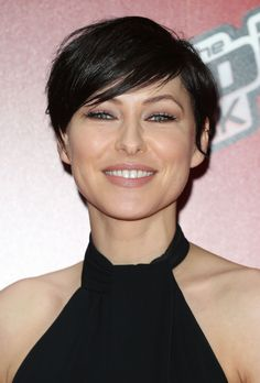 If you are interested in getting your hair cut into a pixie haircut there are several considerations you need to … Short Pixie Haircuts, Cute Hairstyles For Short Hair, Short Hair Cuts For Women, Trending Hairstyles, Pixie Hairstyles, Short Hair Styles, Emma Willis Hair, Shortish Hair, Short Grey Hair