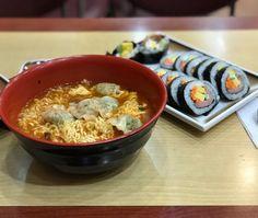 야근 때 식사는 라면에 김밥이 제일