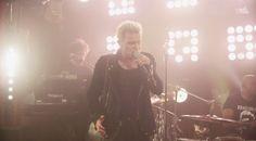 Muzikale TV: Billy Idol - 'White Wedding' (Guitar Center Sessio...