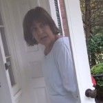 Priceless payback! Lois Lerner ambushed by conservative reporter, begs neighbor who won't let her in.  STAY WITH THE VIDEO, IT TAKES ABOUT 30 SECONDS TO GET THERE. . . .