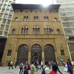 Prédio em estilo veneziano na rua 15 de Novembro #guardiancities #saopauloantiga