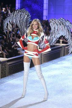 Sexy #victorias secret #victorias secret fashion show #victorias secret angels #victorias secret angel #Angel #fashion show #Model #beauty #beautiful #girl #photoshoot #Sexy #Sexy girl #sexy angel #fashion #sweet #cute #angels #makeup #Hair #Blue #eye #photography #photo