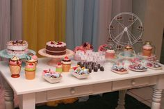 Bolos de feltro, cupcakes de cerâmica e meus doces