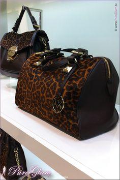 Super cool,website for discount michael kors bags.$67 OMG