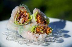 #Rouleaux de printemps aux #crevettes #recettesduqc Confort Food, Oeuvres, Mets, Fish And Seafood, Fresh Rolls, Cabbage, Recipies, Healthy Recipes, Fruit