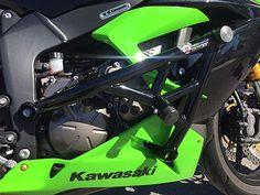 New Breed Kawasaki Crash Cage Cbr, Sliders, Stunt Bike, Kawasaki Zx6r, Stunts, Cars And Motorcycles, Paintings, Custom Bikes, Tatuajes