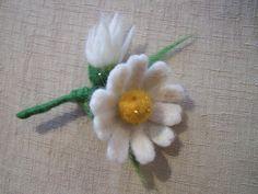 Felt flower broochneedle felted daisy pin by ArteAnRy on Etsy, €15.00
