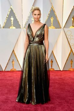 The Academy Awards 2017 ☆ Charlize Theron in Christian Dior
