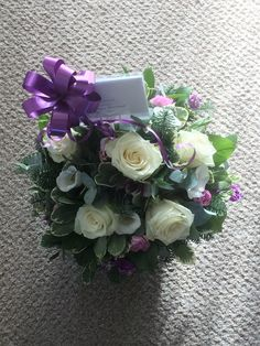 Beautiful fresh flower basket arrangement created by Willow House Flowers Aylesbury florist - www.willowhouseflowers.co.uk