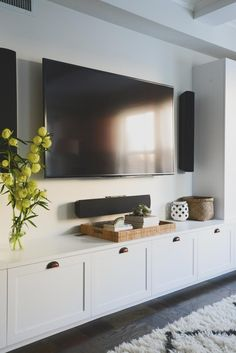 Small Living, Home And Living, Modern Living, Estilo Shaker, Tv Cabinet Design, Built In Tv Cabinet, Built In Tv Wall Unit, Tv Built In, Tv Wall Decor