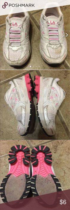 GIRLS TODDLER SHOES LA Gear toddler sneakers with elastin instead of shoe laces.  Stretch and slip on.  Normal wear.  Exact condition as shown.  Non-smoking home. L.A. Gear Shoes Sneakers