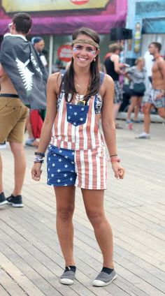 I spotted the best festival outfits at Dreamville, the camping of  Tomorrowland! What\u0027s your