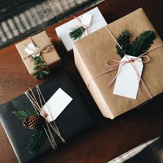 Cute Christmas Gift Wrapping Ideas Coz There is Nothing Better Than Personalised Christmas Gifts - Hike n Dip Cute Christmas Gifts, Personalized Christmas Gifts, Christmas Mood, Noel Christmas, Christmas Gift Wrapping, Rustic Christmas, Holiday Gifts, Christmas Crafts, Christmas Decorations